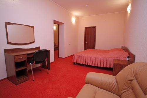 Однокомнатная квартира рассчитана на 2-4 человека, расположена в районе центра, расстояние до моря 5 минут...